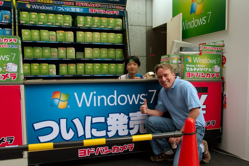 "Linus Says ""I Heart Windows 7!"""