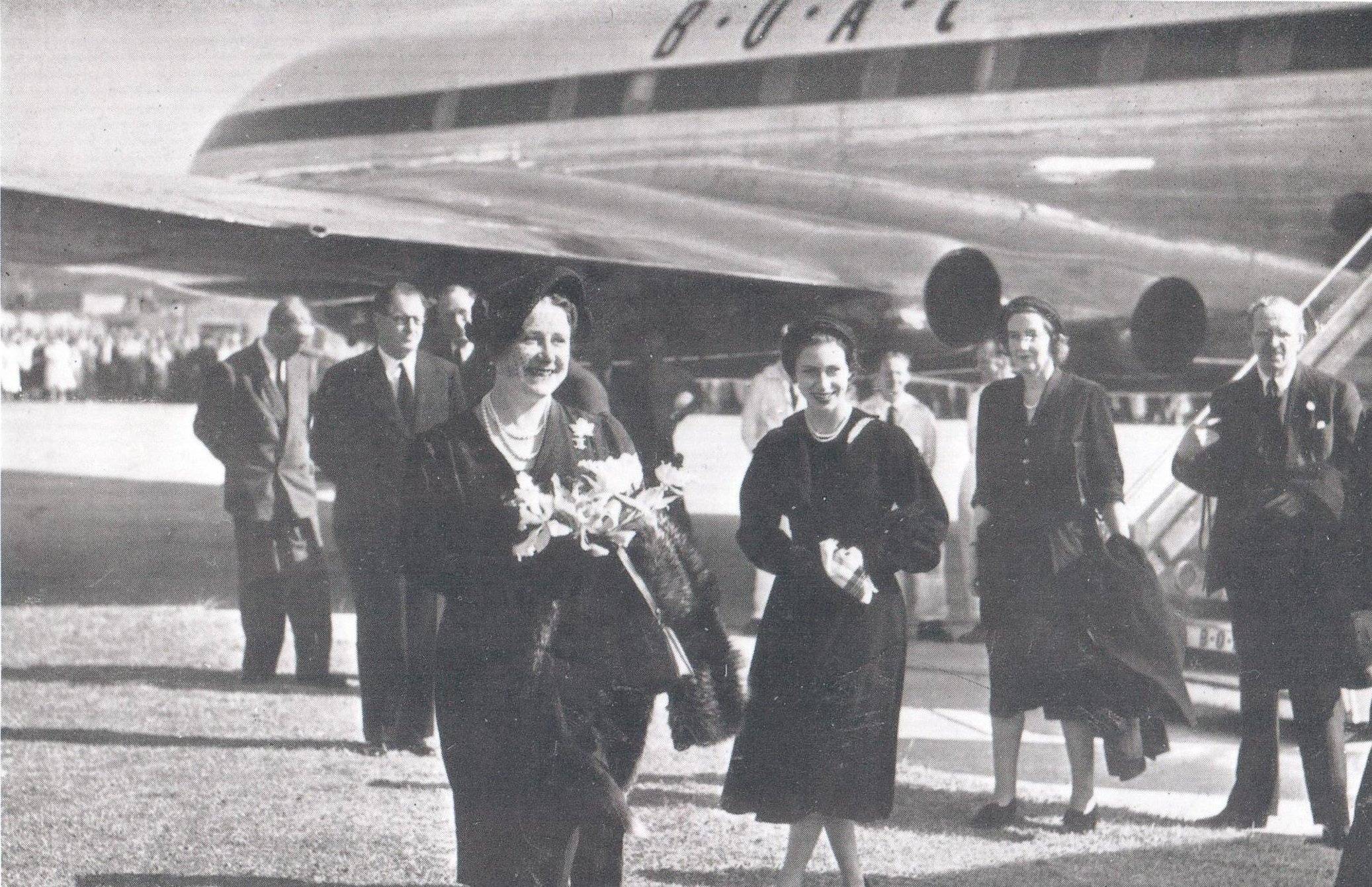 HM Queen Elizabeth, The Queen Mother and Princess Margaret about to board a Comet in June 1953